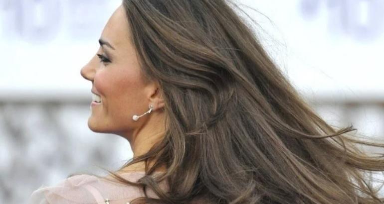 Secret for Dazzling Shiny Hair